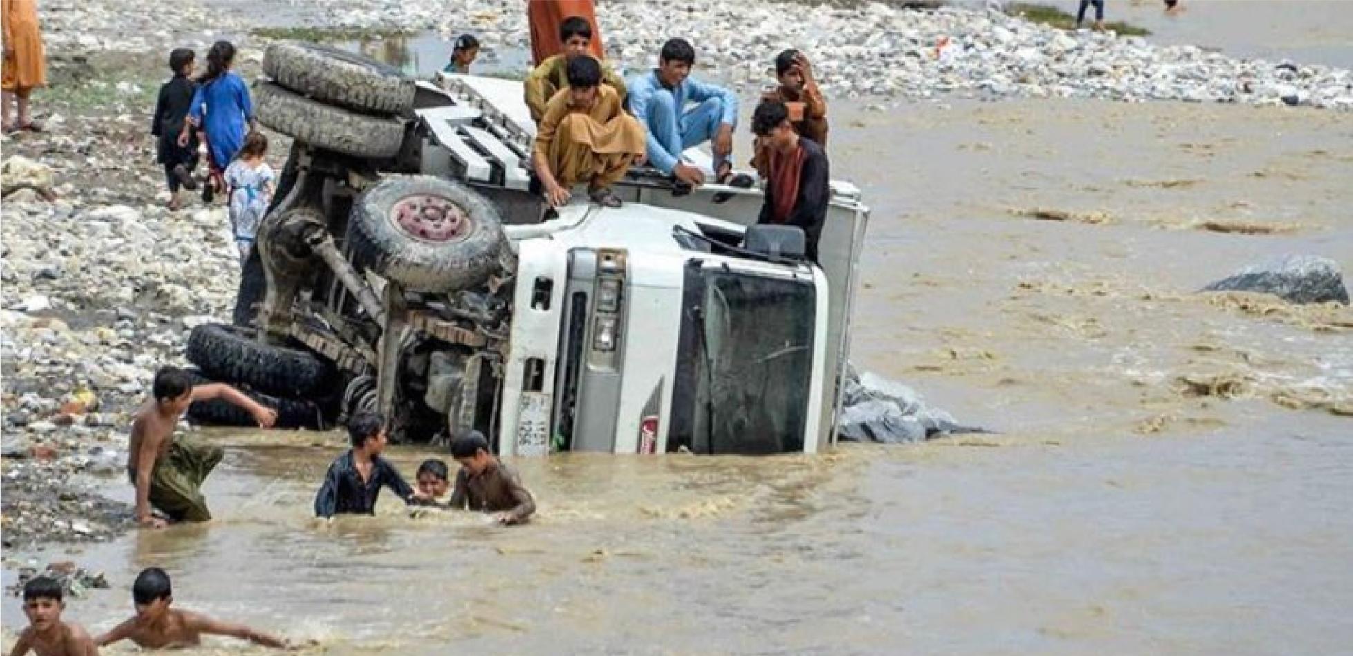 skutki powodzi w Afganistanie
