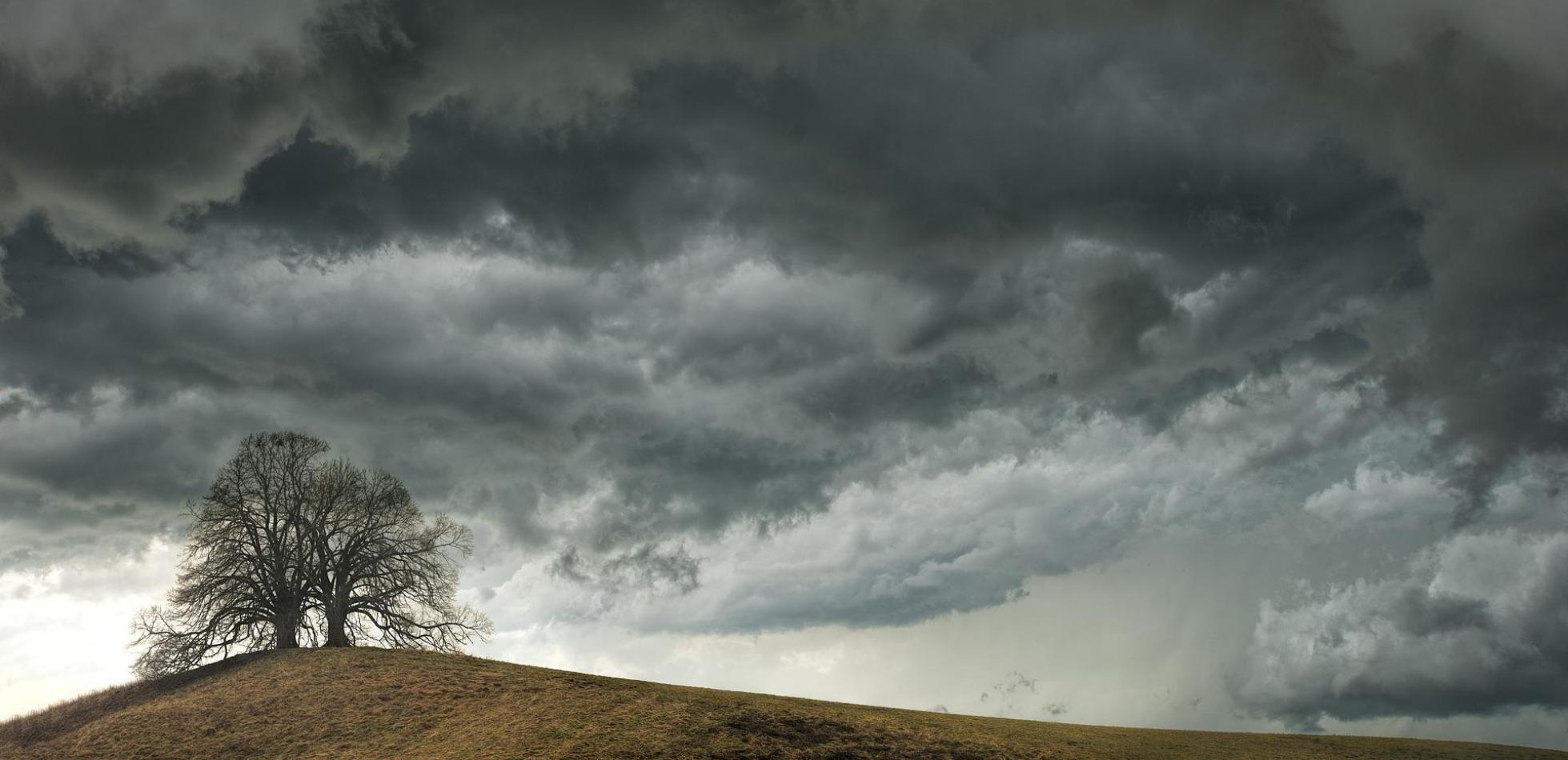 Front, opady i burze. Prognoza pogody na weekend