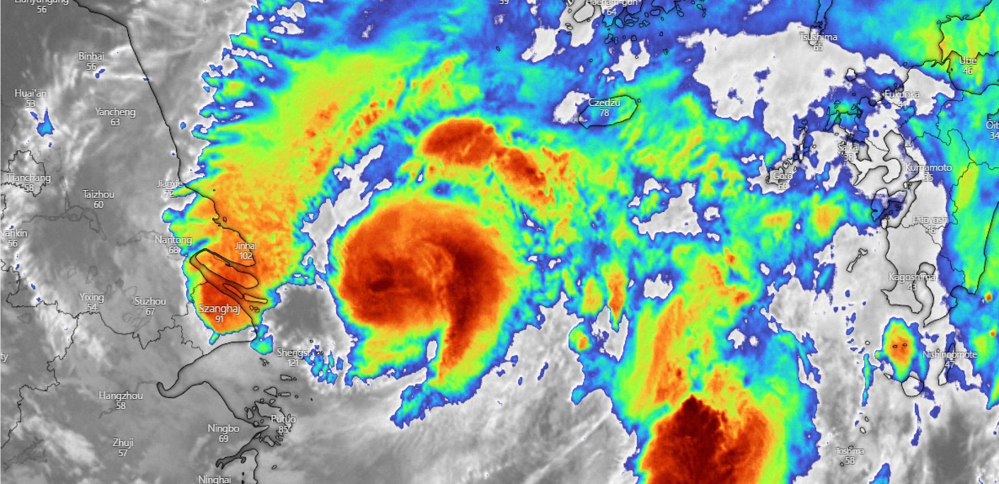 Tajfun Chanthu minął Tajwan, Nicholas zmierza na USA